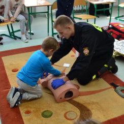 Zajęcia z pierwszej pomocy przedmedycznej w Zespole Szkół w Janowcu